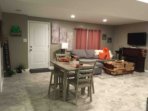 Cozy and Lovely Basement!