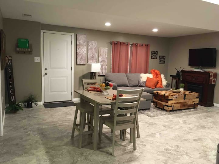 Cozy and Lovely Basement! Home Away from Home.
