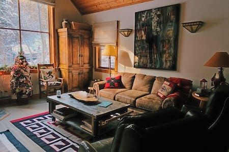 Luxury cottage at Sundance Resort - Resort is Open