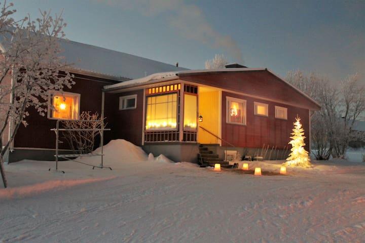 Maalaistalo järven rannalla - Kuusamo - Huis