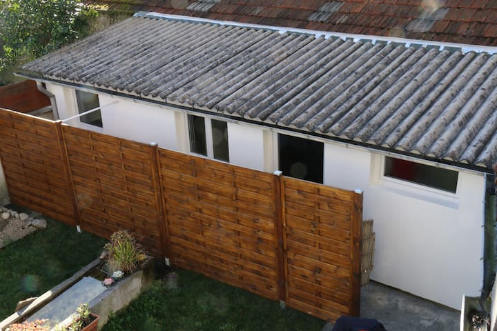 Mini maison équipée fonctionnelle proche du centre