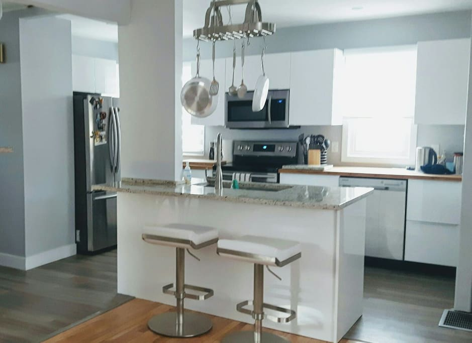 Open concept  living rm to kitchen