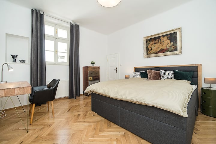 Newly renovated 1-bed apartment at Charles Bridge