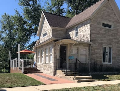 Home for rent with Lake Max view