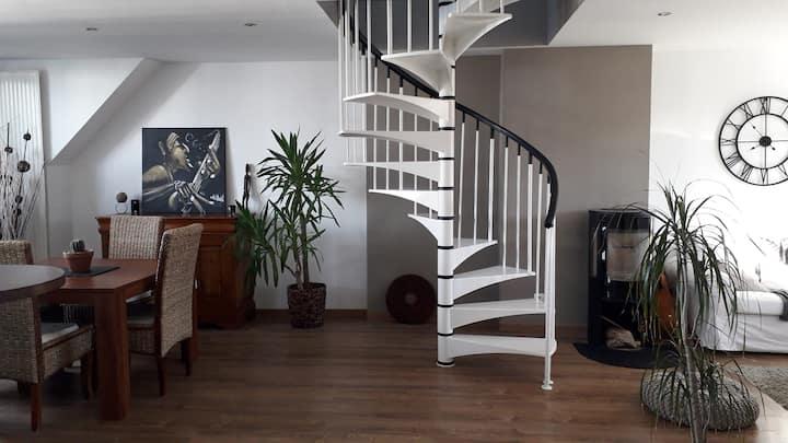 Duplex 90 m2, ensoleillé, hyper centre de Lorient