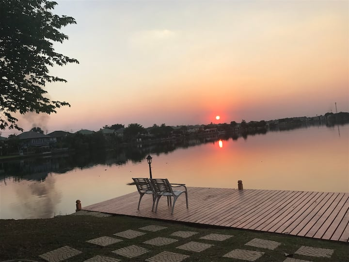 Suvarnaphumi Lake House/free Airport transfer