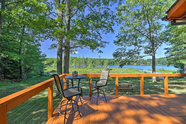 Family Cabin on Burns Lake w/Dock & Kayak Rental!