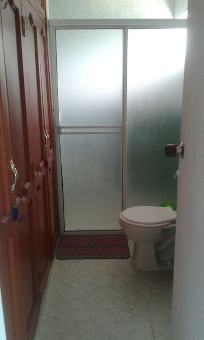 Private shower room