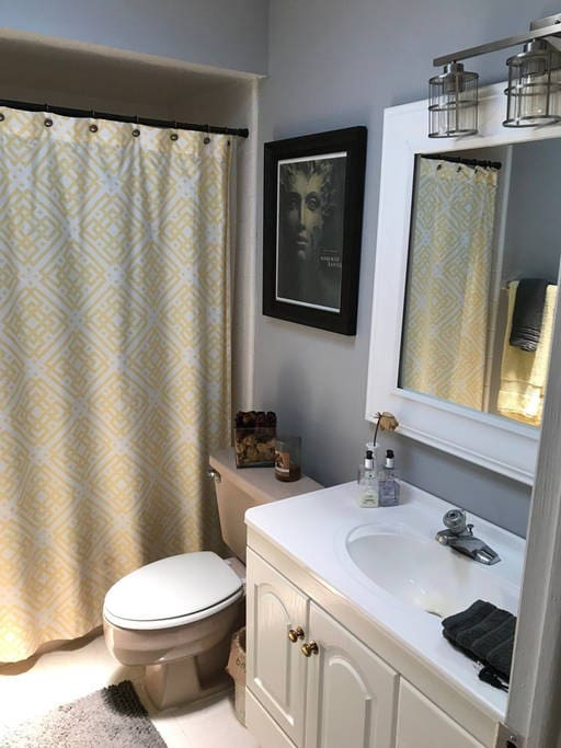 This is the guest bathroom; it includes a full bath tub, which may be just what one needs after a day at the theme parks. This bathroom will be private and dedicated to those renting the room.