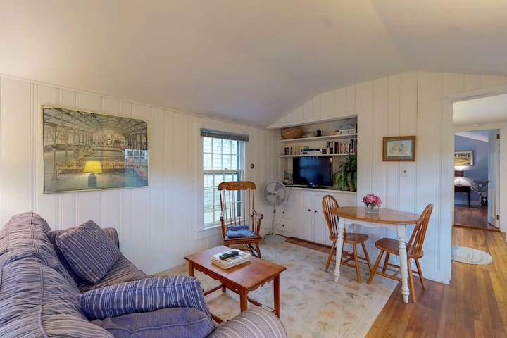 NEW LISTING! Cozy in-law suite w/ entertainment - near Edgartown & the beach!