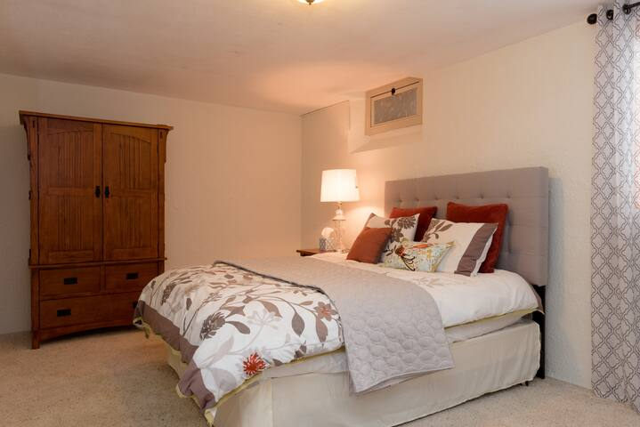 Cozy and quiet basement bedroom with bath.