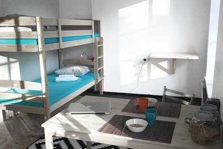 SINGLE BED IN 2 BEDS' DORMROOM ( only for female ) - Vilna