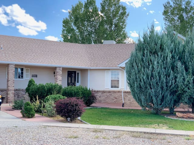 Beautiful 4,00 sq ft home,  4 bedrooms & 3 baths.