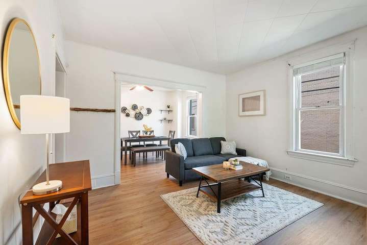 Perfect Location Updated 2 Bed Apartment