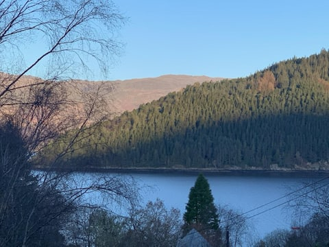 Unique relaxing escape with loch & mountain views