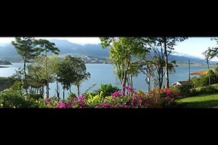 Hermosa finca con vista espectacular, lago Calima