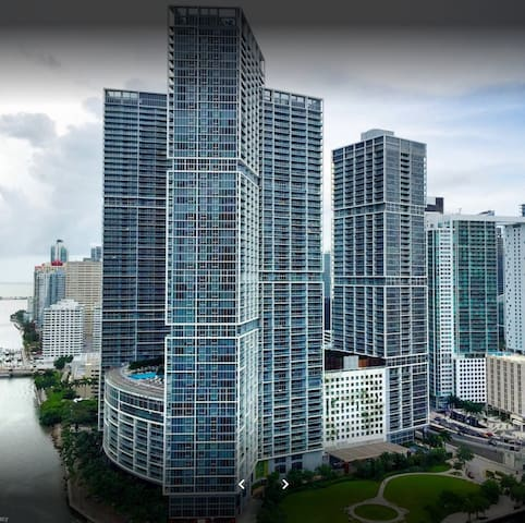 Luxury Apartment in Icon Brickell- Free SPA & POOL