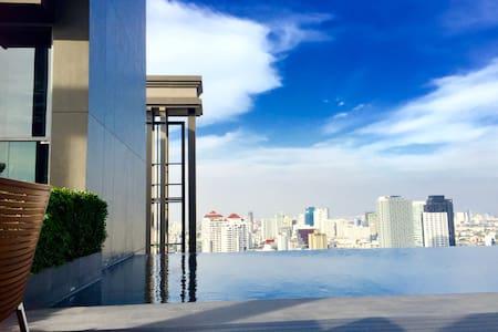 1Min BTS ThongLo 4pp ,Topfloor pool - Bangkok