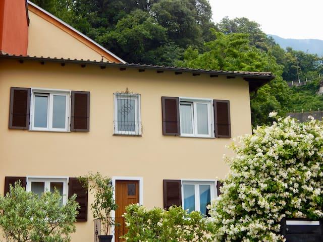 Casa Dragonato con piscina, due passi dal centro.