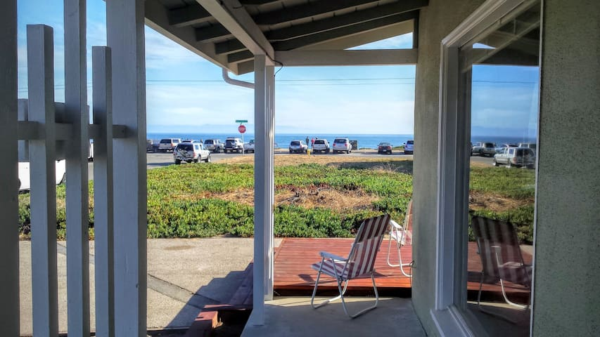 Beach Cottage W/AquariumPasses-Bikes on West Cliff