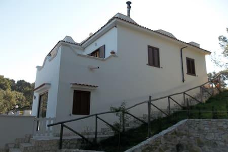 Villa in pineta-Tomarosso apt1 - Vieste - Villa