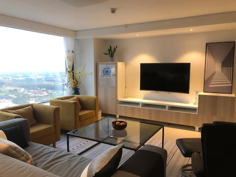 Cozy 1 bedroom Penthouse  loft near HongQiao Hub