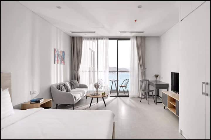 A sea view beautiful studio apartment