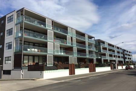 Ahuriri - Top floor luxury apartment - Napier - Huoneisto