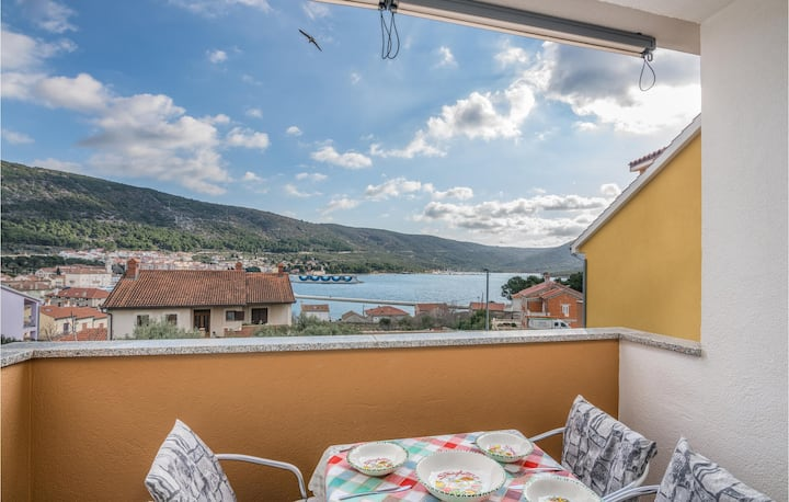 Awesome apartment in Cres with WiFi and 2 Bedrooms