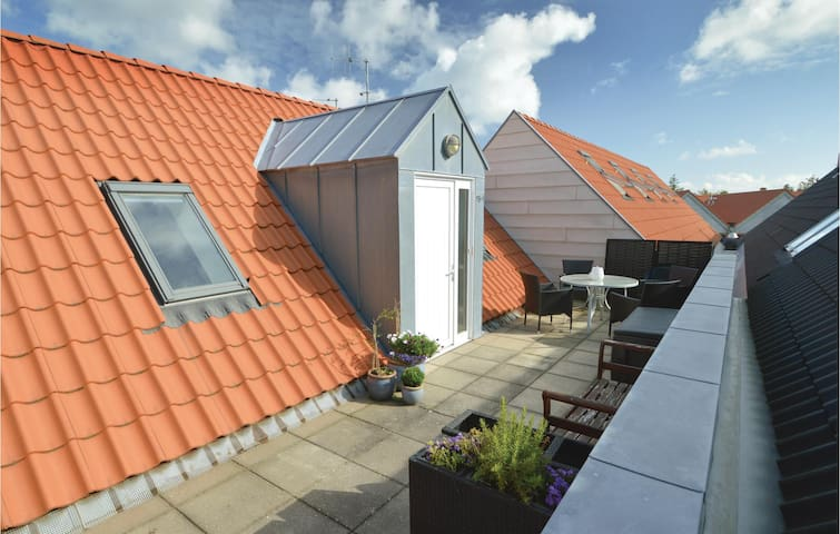 Holiday apartment with 2 bedrooms on 83 m² in Blåvand