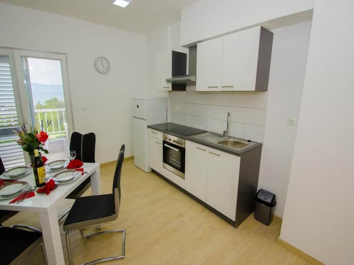 Apartments Vesela - One Bedroom Apartment with Balcony and Sea View