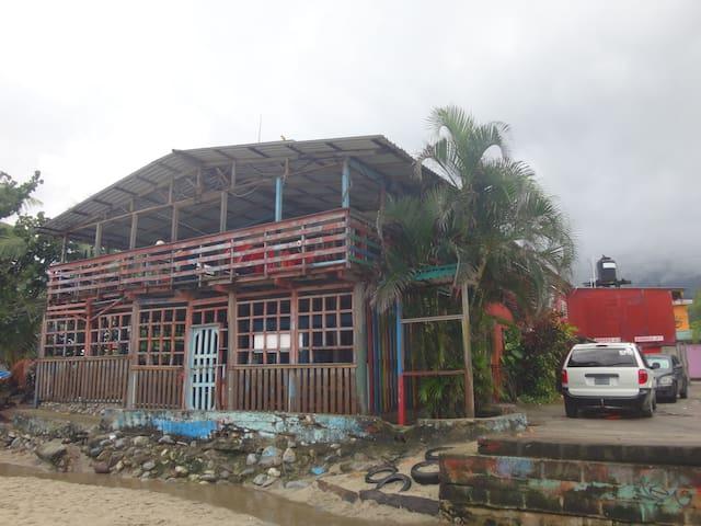 Alojamiento en Sambo Creek - Sambo Creek - Rumah