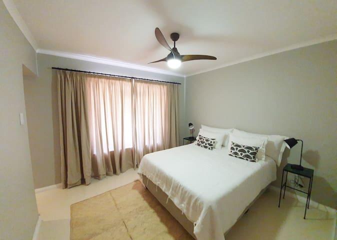 en-suite guestroom