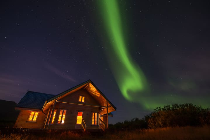 The house and the northern lights - not edited.