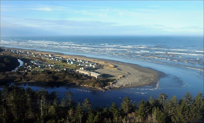 Hi-Tide Ocean Beach Resort Condo #28 - Moclips - Wohnung