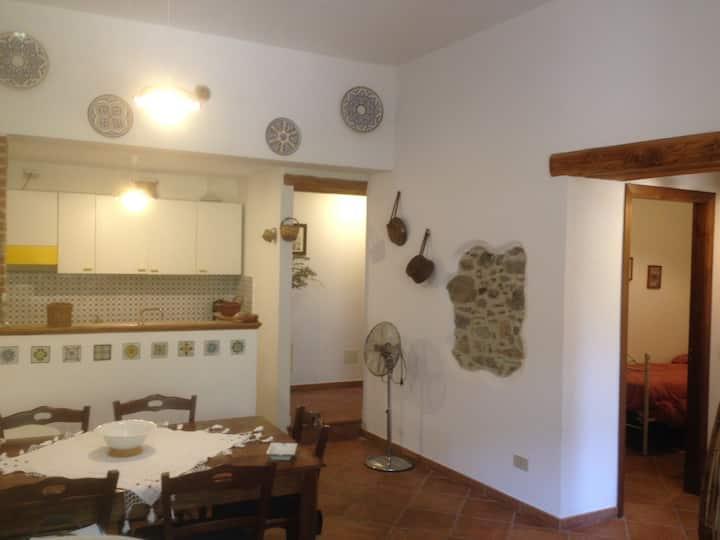 Gioiosa Marea, appartamento in villa -Ulivo