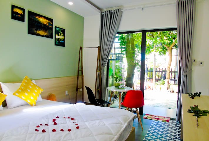 Xanh La Hoi An homestay- 1  king bed