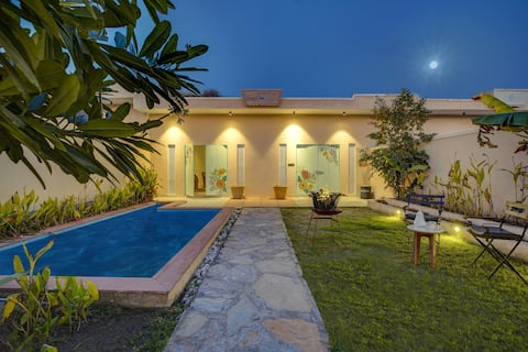 1 BHK Luxury villa/ Private pool/Aravali views