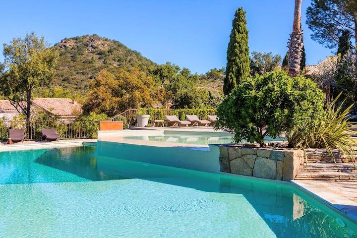 Belle villa 9pers à Santa Giulia piscine chauffée.
