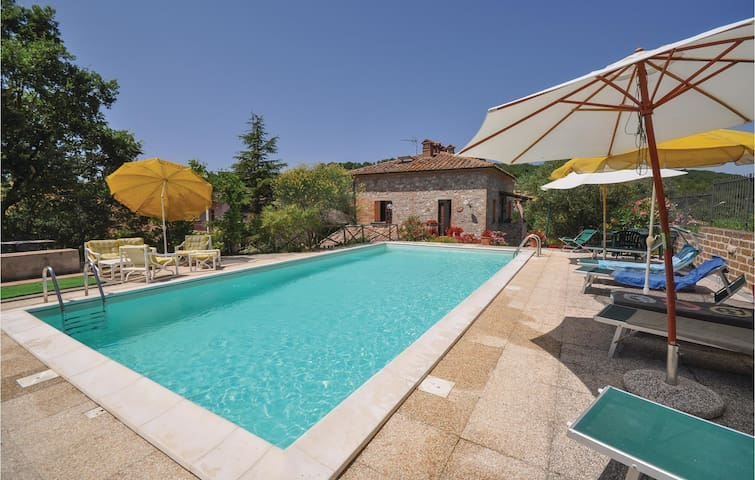 Holiday cottage with 4 bedrooms on 180 m² in Sismano TR