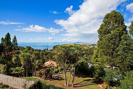 Great sea views, greenery and birds everywhere - Whangaparaoa