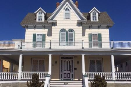 The Baronet - Beach Front Historic Elegance! - 开普梅(Cape May) - 公寓