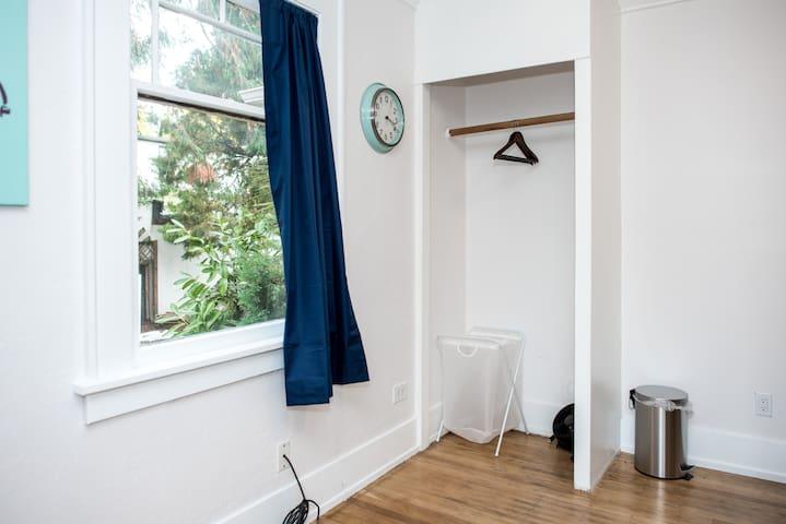 La Dolce Vita Private Room