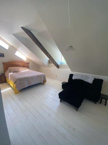 Second Bedroom - Upstairs