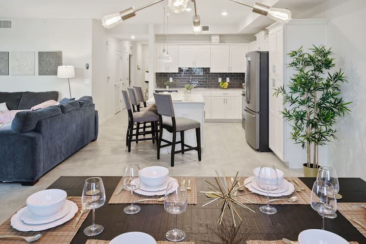 SPECIAL OFFER! - Luxury New Home (5 Min Disney and Outlets) at Storey Lake