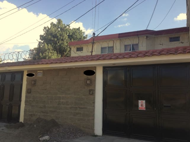 Rooms available for rent - Excellent location - Quezaltenango - House