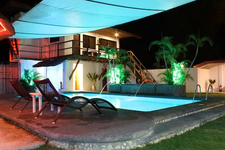 Apartment Parrot Resort Moalboal