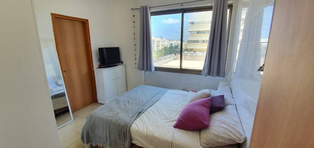 Luminous apartment in Tel Aviv's heart