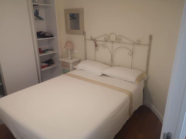 Bonita room, cerca de la playa y buen anfitrion