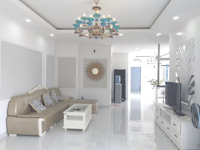 DELUXE PENTHOUSE 100sqm 2BR☆♥2BALCONY☆♥AIRY SPACE